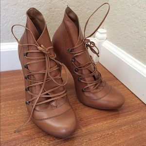Camel lace up vintage booties size 7